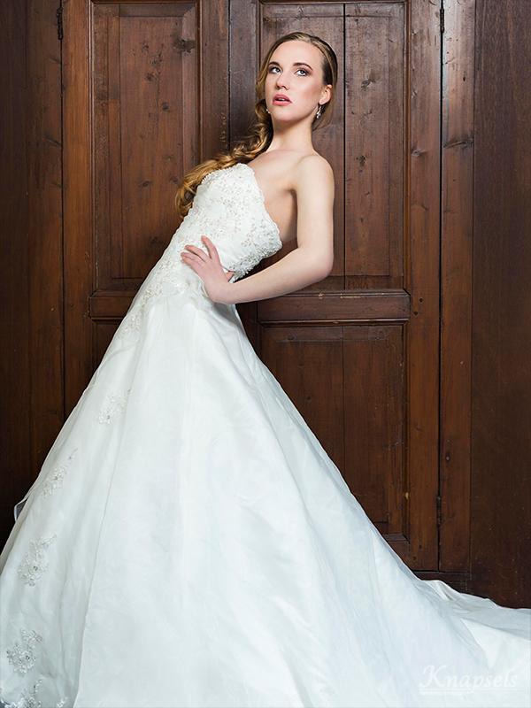 Knapsels-bruiden-nonchalant-vlecht-krullen-dress