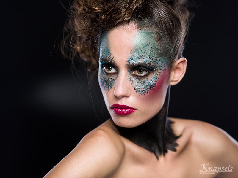 Knapsels-fotoshoot-extremecolorfull-black-halfside-mohawk