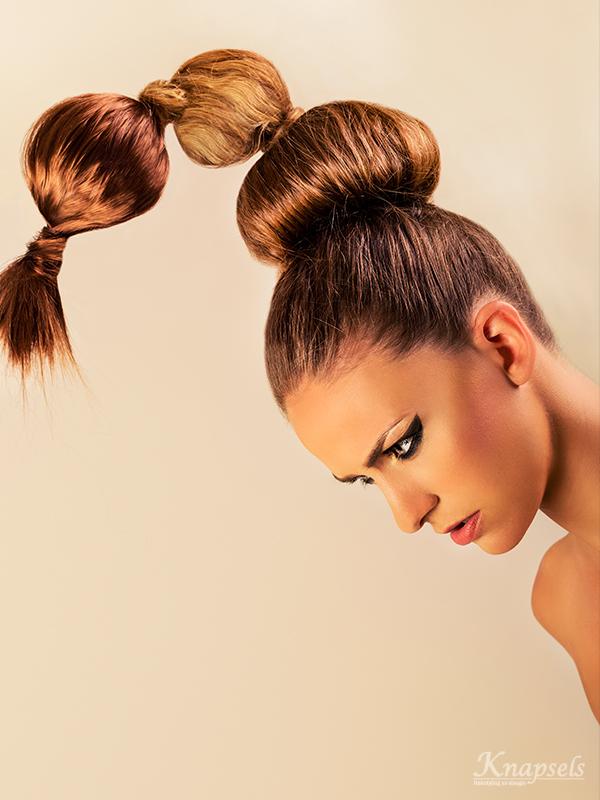 Knapsels-fotoshoot-goldrush-extreme-hair-bolls-updo-avantgarde-closeup