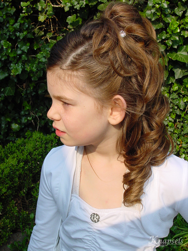 Knapsels-kids-anouk-communie-zijkant-krullen