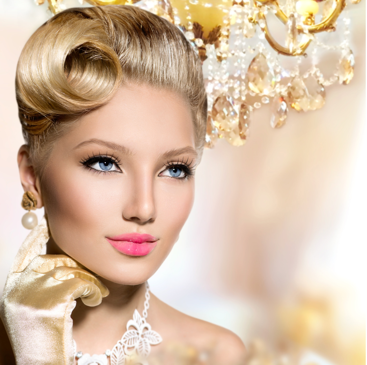 knapsels-vintage-styled-girl-with-perfect-make-up-and-hairstyl-m