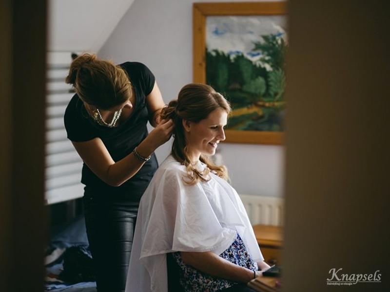 Knapsels-bruiloft-samara-voorbereidingen-kapsel.