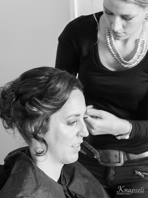 Knapsels-Bruiloft-anja-voorbereidingen-haar