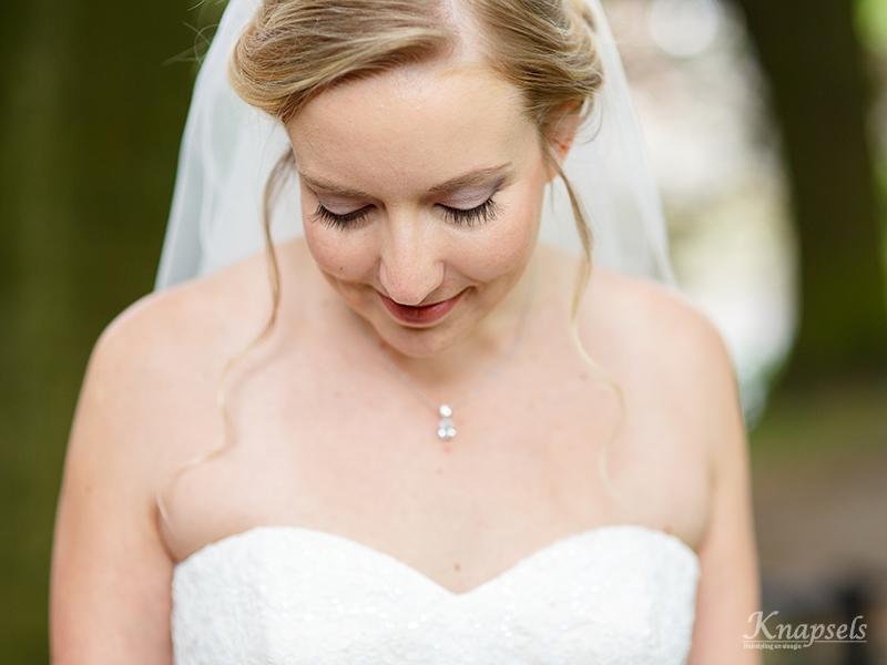 Knapsels-bruiloft-kim-closeup