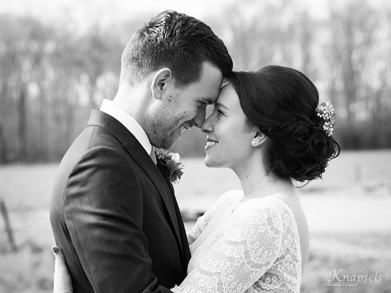Knapsels-bruid-marjolijn-black-white