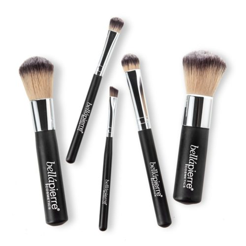 Knapsels-travel-brushes-out-bellapierre